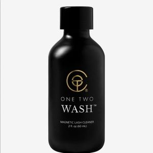 New ONE TWO WASH™ Make up Remover